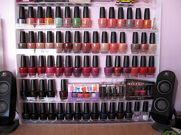 big rack 27 Unbelievable Nail Polish Storage Ideas