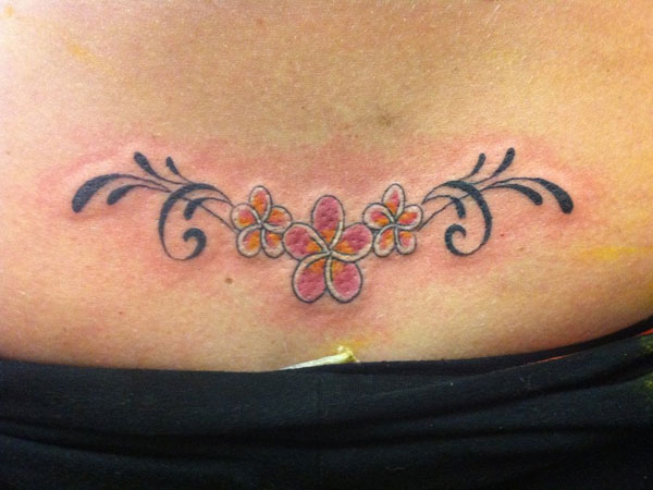 28 Eye Catching Lower Back Tattoo Designs Slodive