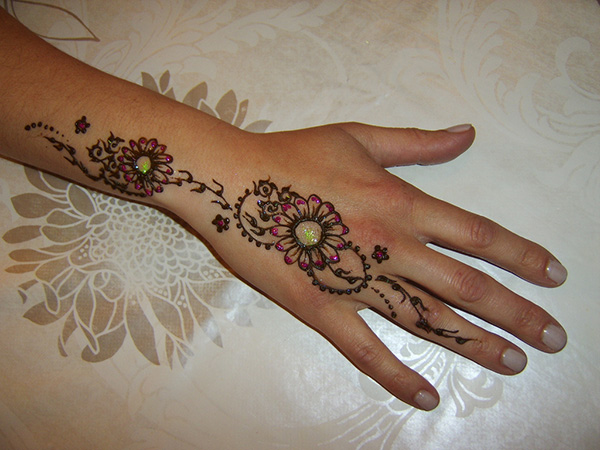 Simple Floral Henna