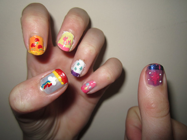 cutie mark nail 26 Delicate Short Nail Designs