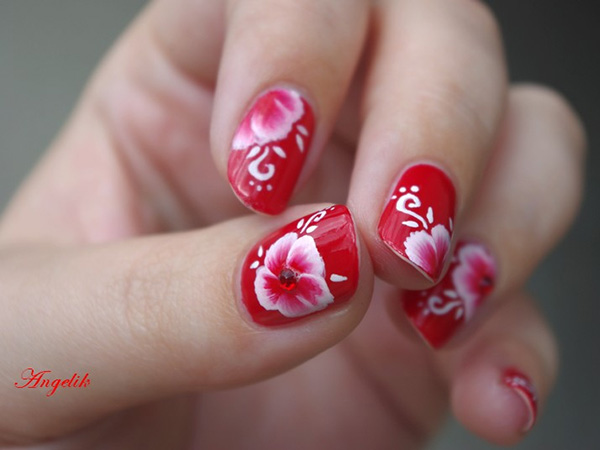 poppy reversed 26 Delicate Short Nail Designs