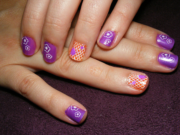 retro nails 26 Delicate Short Nail Designs