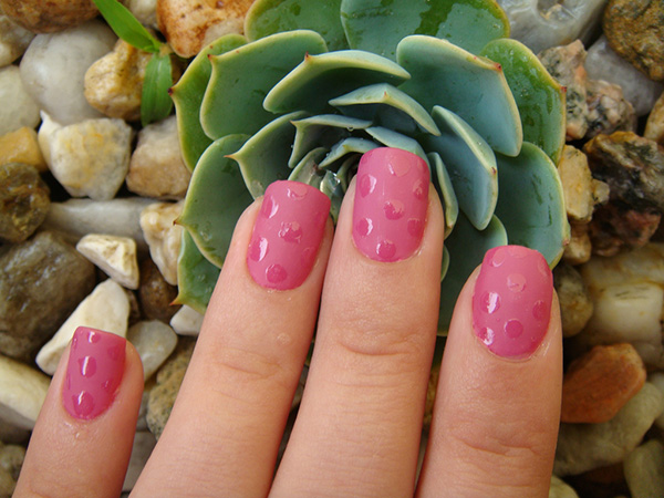 nail art petit pois 29 Enthusiastic Simple Nail Art Ideas