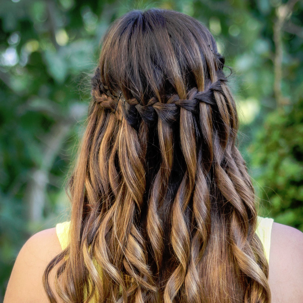 26 Sweet Waterfall French Braid Hairstyles - SloDive
