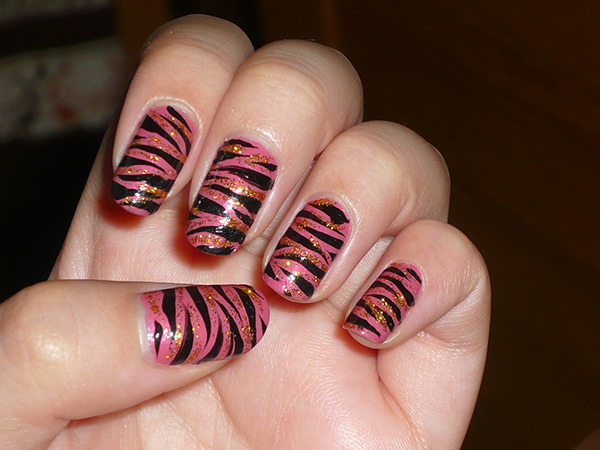 lovely nail 27 Tantalizing Zebra Nail Designs