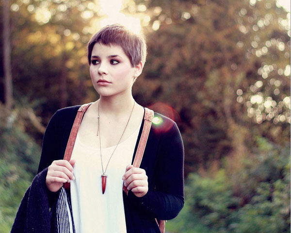Remarkable 33 Riveting Short Haircuts For Round Faces Short Hairstyles Gunalazisus