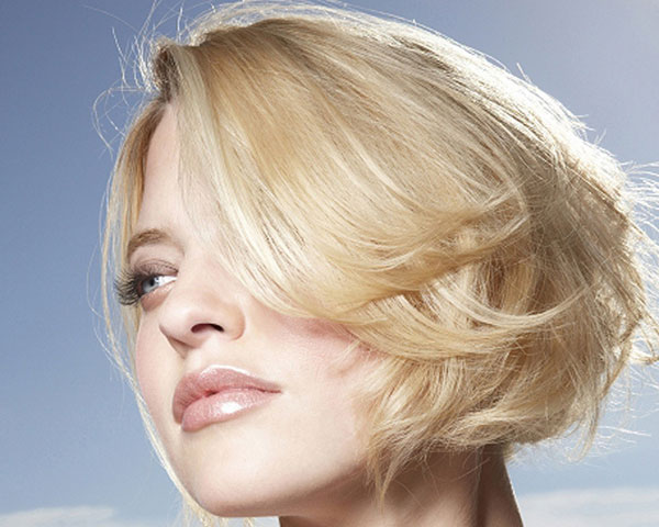 Blonde Layered Hairstyle