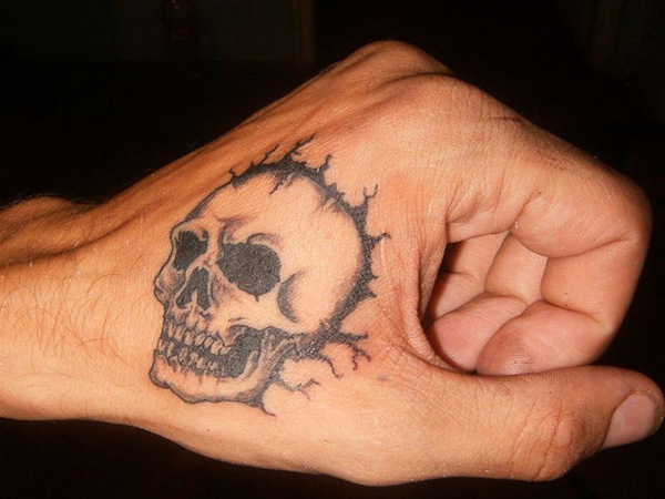 27 Macabre Skull Tattoos For 2013
