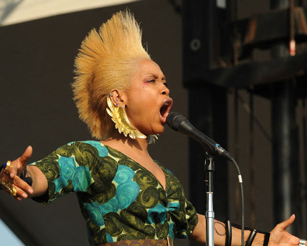 singer 22 Fascinating Mohawk Hairstyles For Black Women