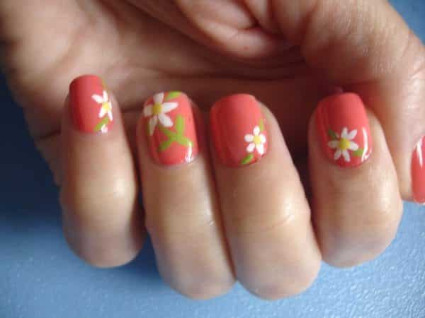 Salmon Colored Nails with Daisies