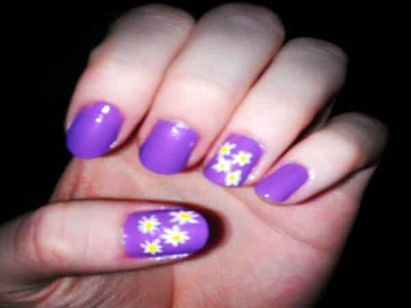 Purple Nails with Two Finger Daisy Designs
