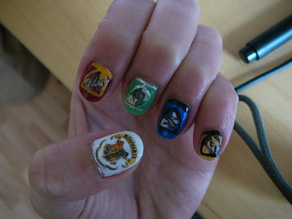 The Four Houses Coat of Arms and Hogwarts Coat of Arms Nail Designs