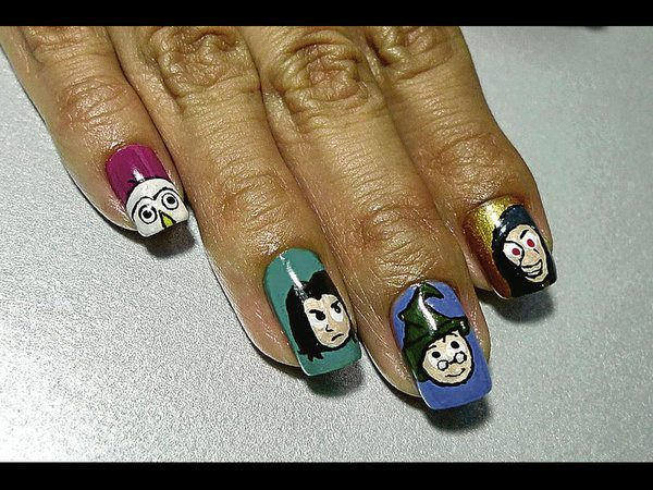 Cartoon Harry Potter Characters on Blue, Green, Purple and Gold Nails