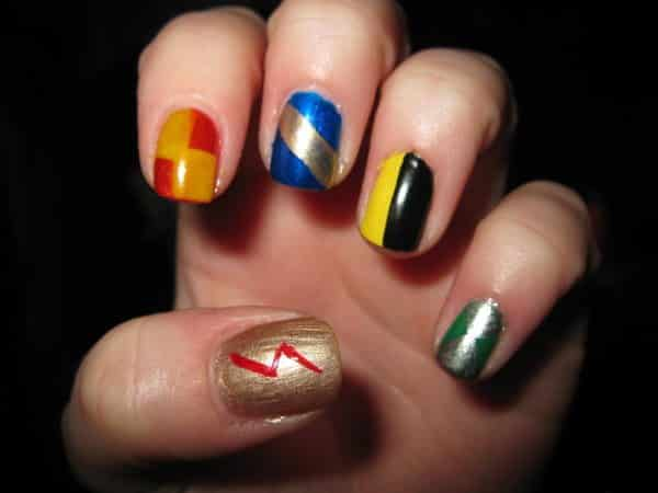 Houses Shield Design Nails and One Gold Nail with Harry Potter Lightning Bolt