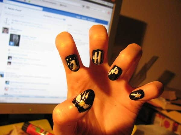 Black Harry Potter Nails with Symbols of Movie Trilogy