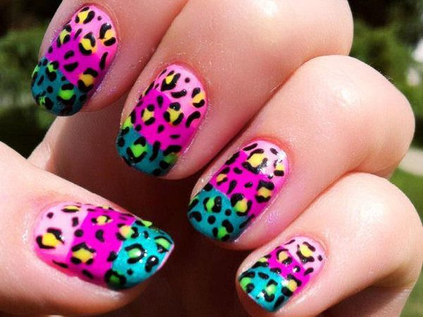 Light Pink, Robust Pink, and Blue Tri-Colored Nails with Leopard Spots