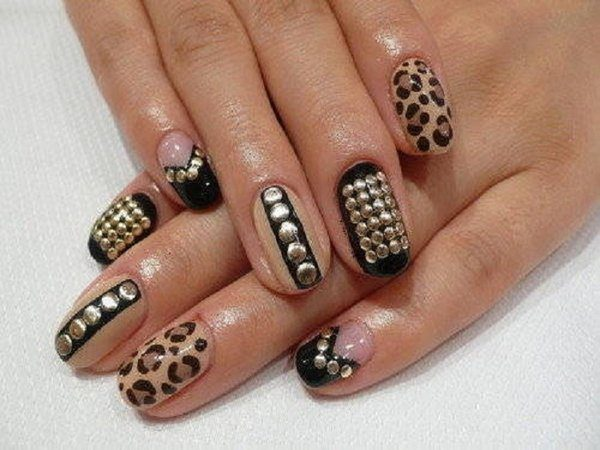 Light Brown Leopard Nails with Black Nail and Gold Circles
