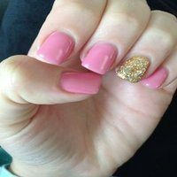 pink-and-gold-nails-200by200
