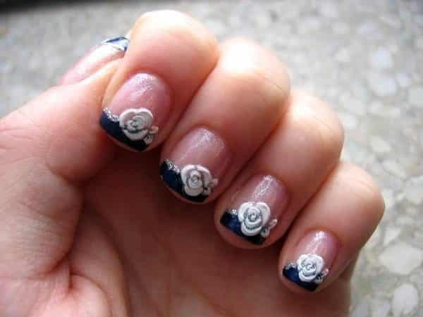 Black Tips with White Roses Nails