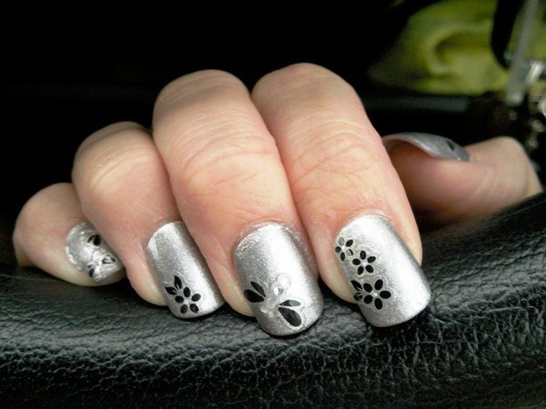 Silver Nails with Black Flowers and Stones