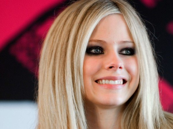 Avril Lavigne with Platinum Blond Hair