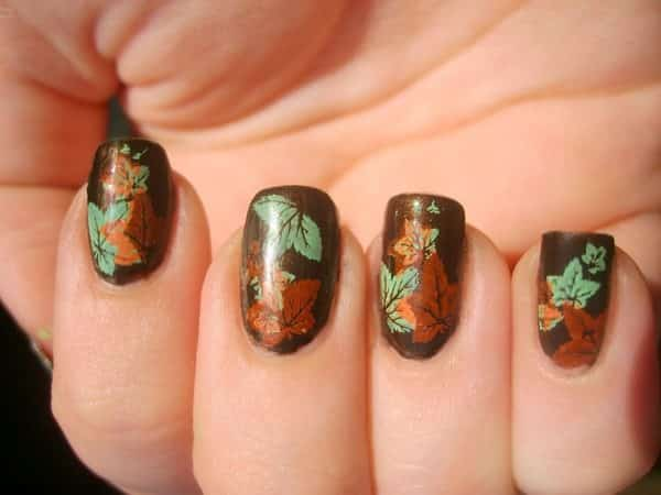 Brown Glitter Nails with Fall Leaves