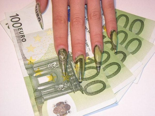 Pointed Fingernails Made with Euro Bills