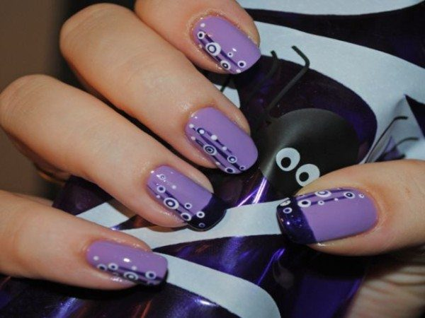 Lavender Nails with White Circles, Dark Blue Lines, and Two Dark Blue Tips