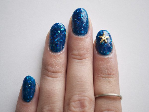 Blue Speckled Nails with Gold Starfish