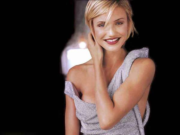 Cameron Diaz with Short Blond Hair