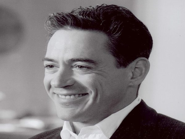 Robert Downey with Short Sides and Curly Front Hairstyle