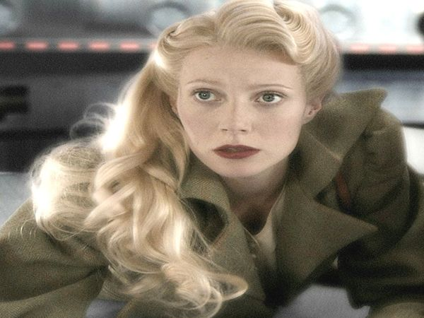 Gwyneth Paltrow Vintage Style of Long Curly Blond Hair