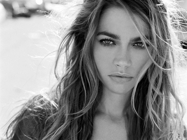 Black and White Denise Richards with Straight Hair