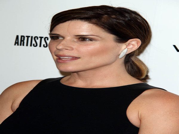 Neve Campbell Pony Tail