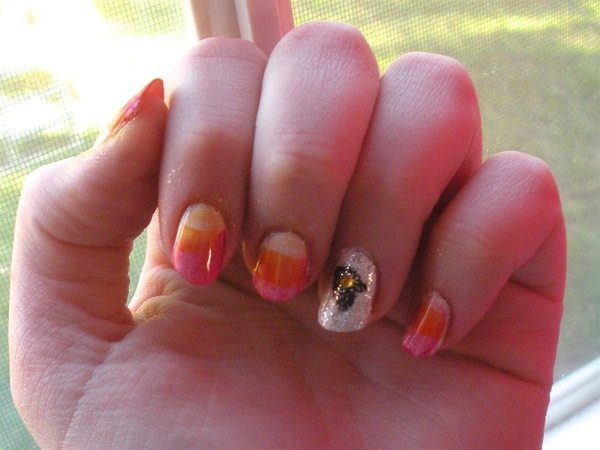 Candy Corn Decorated Nails with Single White Glitter Nail with Black Pilgrim Hat