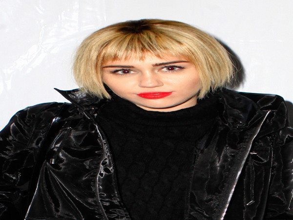 Miley Cyrus Blond Straight Bob