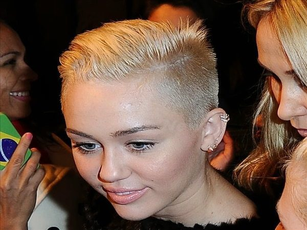 Miley Cyrus Mega Short Platinum Hairstyle