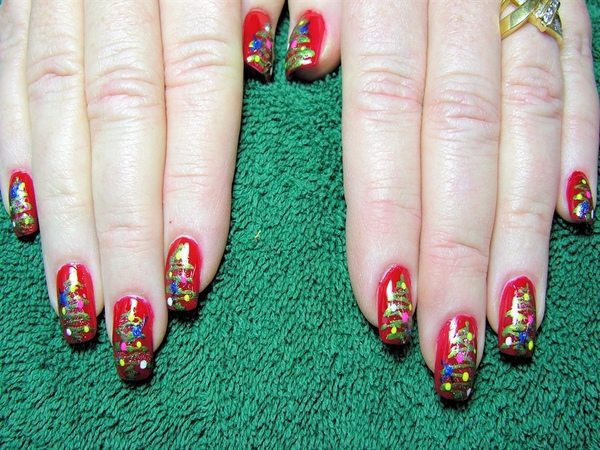 Red Nails with Christmas Trees