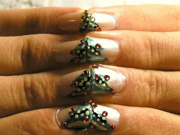 Silver Nails with Decorate Christmas Tree Nail Tips