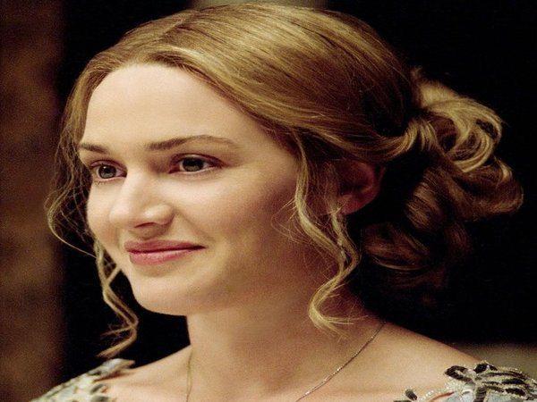 Kate Winslet Dark Blond Curly Bun