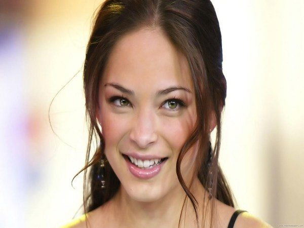Kristin Kreuk Pony Tail with Long Bangs
