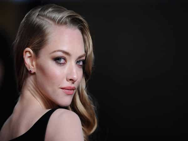Amanda Seyfried Vintage Style Long Dark Blond Wavy Hair