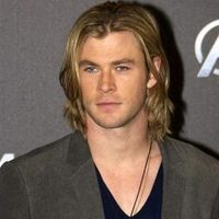 10 Cool Chris Hemsworth Hairstyles