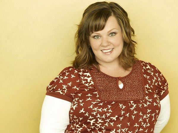 Melissa McCarthy Light Brown Short Wavy Hair