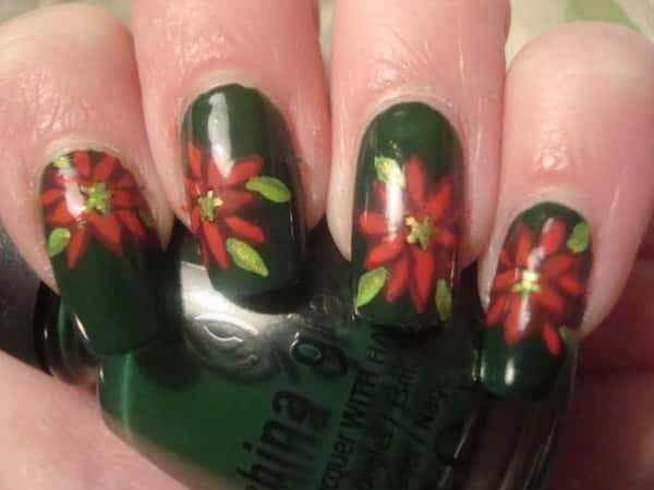Green Nails with Poinsettias