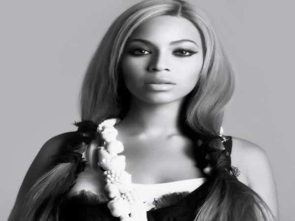 Beyonce Long Blond Hair In Pig Tails