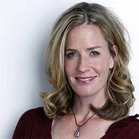 11 Excellent Elisabeth Shue Hairstyle Pictures