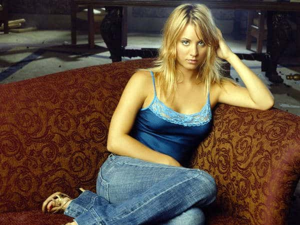 Kaley Cuoco Shoulder Length Dark Blond Hair Side Parted