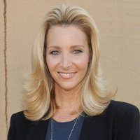 12 Lovely Lisa Kudrow Hairstyle Pictures