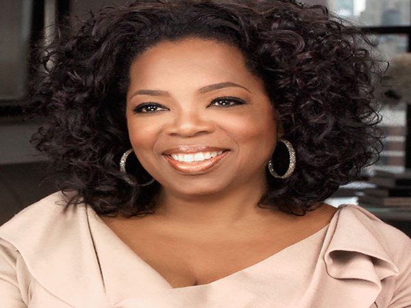 Oprah Winfrey Shoulder Length Curly Hair In a Headband